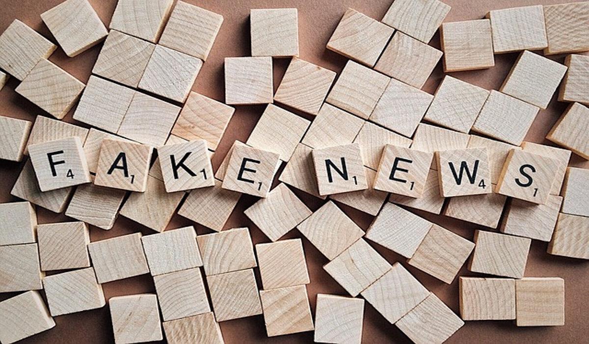 Buchstaben Fake News